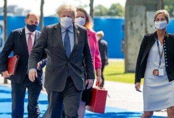 G7서 英 총리가 착용한 마스크, 알고보니 'K-마스크'였다