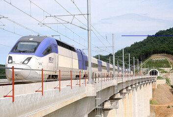 경부선 KTX 상·하행 9개 열차 지연운행…전차선 장애 발생