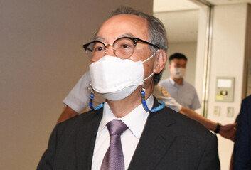 檢, '강제추행' 혐의 오거돈 전 부산시장에 징역 7년 구형