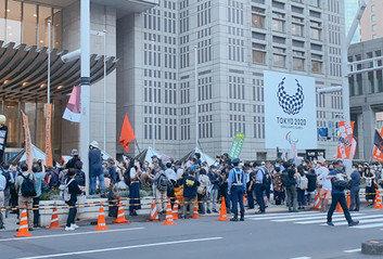도쿄올림픽 개막 D-30인데…축제 대신 반대 시위