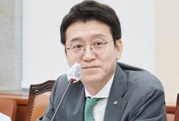 """김웅 """"아파트값 17% 상승? 전두환 29만원도 믿습니다"""""""