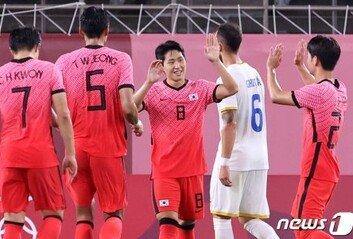 한국축구, 루마니아에 4-0 승리 B조 1위로
