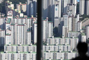 집값 껑충, 벌써 작년 상승폭 추월 눈앞내년 재산세 폭등 가능성