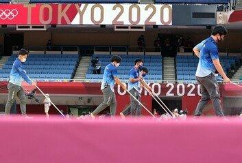 올림픽 열리고 있는 도쿄, 코로나 확진자 폭증