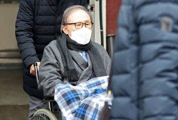 박근혜 이어 MB도 입원내일 백내장 등 지병 치료
