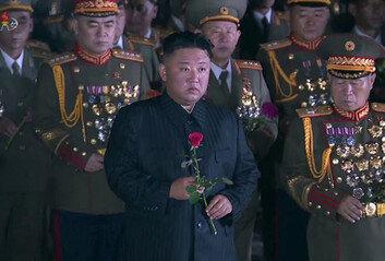 김정은, 통신연락선 연결된 날 노병대회 참석…대남 발언 없었다