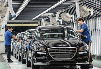 화려한 K팝 아이돌이 한국 자동차 산업과 닮아 보이는 이유