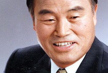 1세대 인권변호사 강신옥 전 의원 별세 '인혁당·김재규 변호'