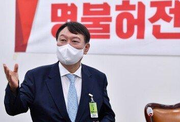 윤석열 '불량식품' '패가망신' 발언에…당 안팎 우려의 목소리