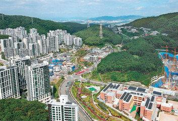 '화천대유 의혹' 얽힌 법조인들사업 관여하고 자문 응했다