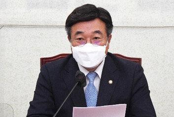 """與윤호중, 靑국감앞 """"유튜브-녹취 재생 불가"""""""