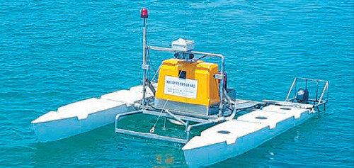 韩国海洋水产部投入无人防治船以清除夏天海上的不速之客水母