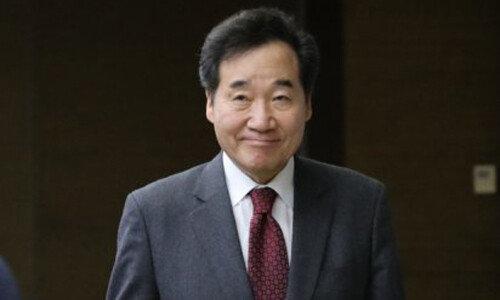 """차기 정치지도자 호감도 조사국민 절반 """"이낙연 호감"""", 2위는?"""