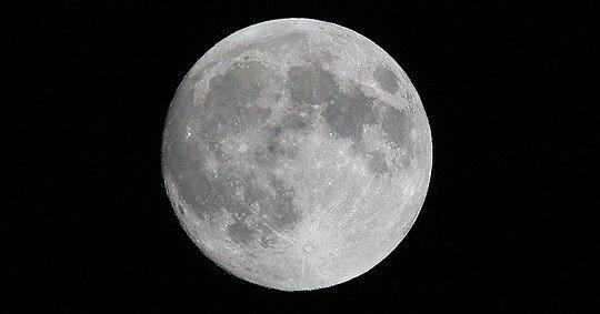 황규인의 잡학사전]달은 사실 지구 주위를 돌지 않는다 : 뉴스 : 동아닷컴