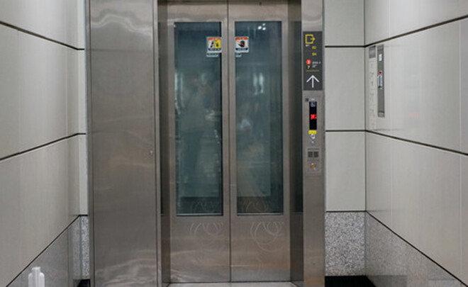 혼자 엘리베이터 수리하던 20대 사망…2인1조 의무화 언제?