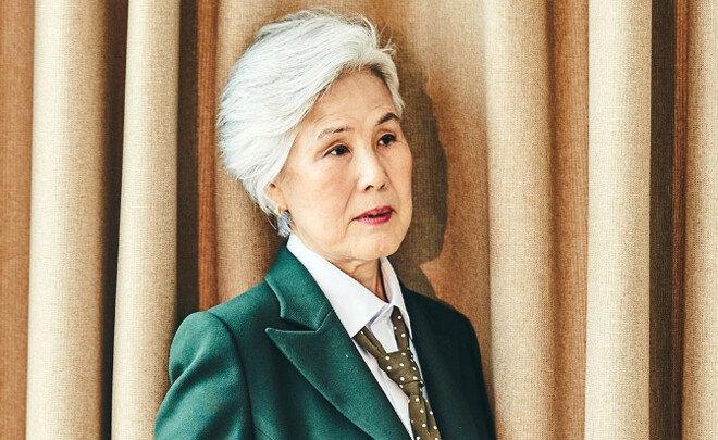 """한국나이 77세 최고령 모델 """"내게 일어난 기적"""""""