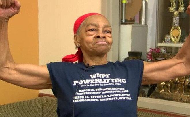 한 밤의 침입자 때려눕힌 82세 할머니 보디빌더