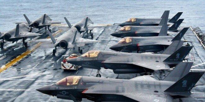 미국의 F-35B스텔스 전투기가 강습상륙함 와스프호에서 이륙 준비를 하고 있다. [US Navy]