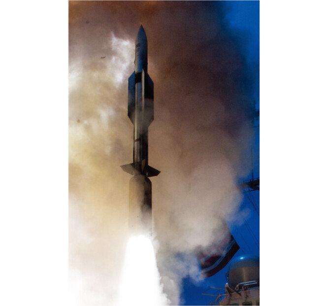 SM-6 미사일의 속도는 마하(음속) 3.5로 SM-3, 사드(THAAD) 등 탄도미사일 요격 용 미사일체계에 비해 느리다.  [사진 제공 · 미 해군]