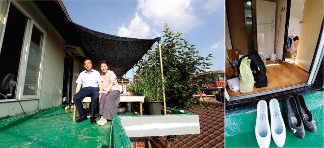 서울 강북구 삼양동 옥탑방 평상에 나란히 앉은 박원순 시장과 강난희 여사. 두 사람은 아주 간단한 가재도구만 꾸려와 이곳에서 한 달간 생활했다.