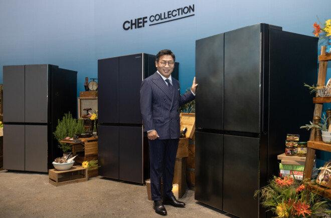이재승 삼성전자 생활가전사업부장이 '뉴 셰프컬렉션' 냉장고를 소개하고 있다.