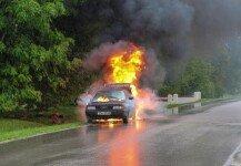 화재 발생한 차량에 딸 있는데…도망간 父, 알고 보니