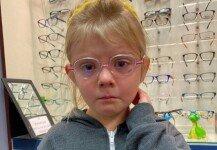 스마트폰 때문에 안경을 쓰게 된 6살 소녀가 펑펑 운 사연