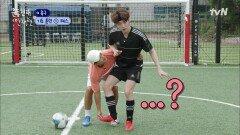 안재현 축구 실력 목격한 이천수의 반응.mp4   tvN 211015 방송