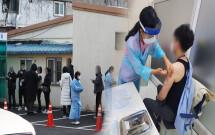 접종 후 사망 2건 더…화이자 ′16세 이상′ 허가