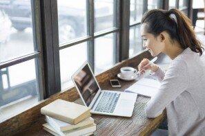 """""""왜 카페에서 공부하냐""""…중년 여성들 일침에 쏟아진 반응"""