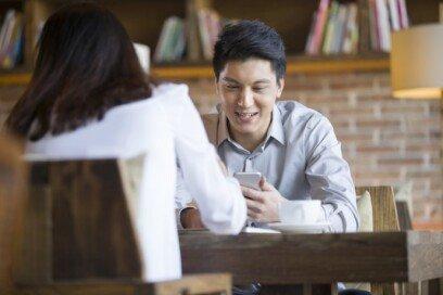 """""""소개팅할 때 카페서 만나면 이상한가요?"""""""