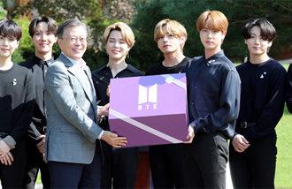 """BTS:""""大韩民国的青年们一直很坚强,很了不起"""""""