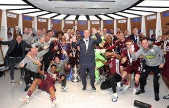莱斯特城队史137年以来首次赢得英足总杯冠军