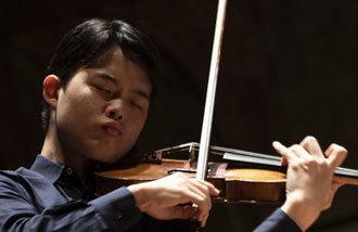 韩国16岁小提琴手斩获帕格尼尼比赛第二名