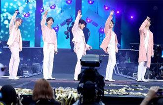 防彈少年團世界體育場巡回演唱會賣出60多萬張門票,獲得936億韓元收益