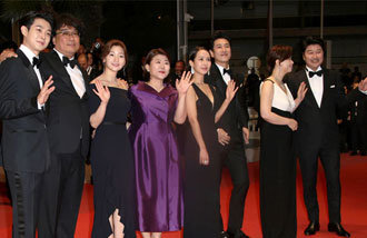 Parasite is met with praise at Cannes