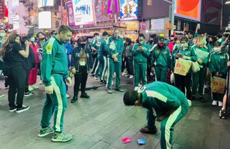 New Yorkers play Squid Game