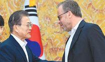 文大統領、国境なき記者団の事務局長と面会
