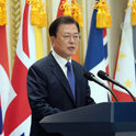 任期末の韓国と経済難の北朝鮮、通信連絡線を復旧