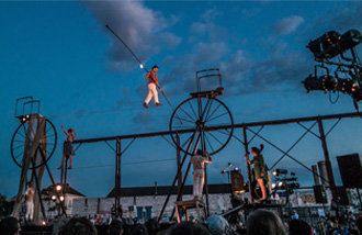 海外公演団が参加、アジア初の都心の中のストリートアートフェスティバルを披露