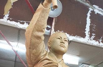 柳寛順烈士の銅像を西大門独立公園に建てる