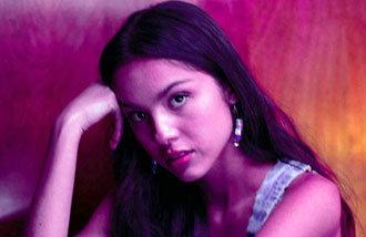 愛を失って得たメガヒット… 17歳少女のデビュー曲が熱い