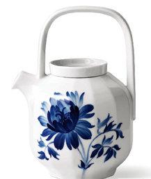 집 안에서 무르익는 봄: flower motif