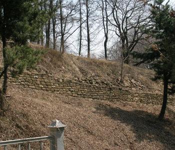 阿且山城、16年ぶりに再発掘 : 東亜日報