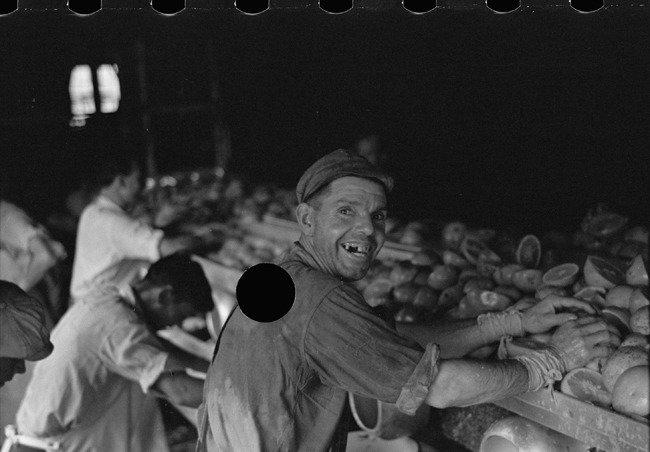 1930년대 美 정부가 폐기한 FSA 펀치 사진전