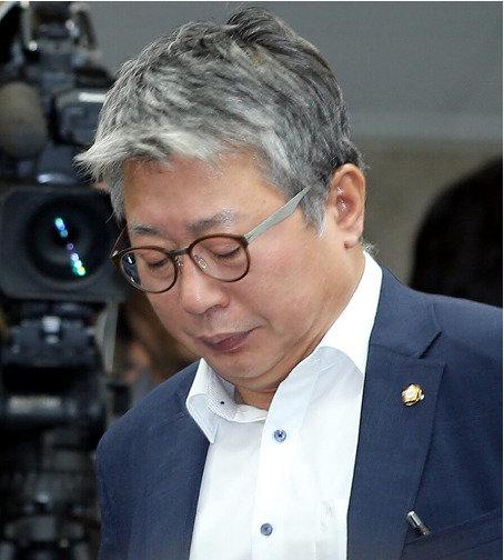 """""""정윤회 문건? 조응천이 헛다리 짚었다  그에겐 폭로할 고급정보 없어"""""""