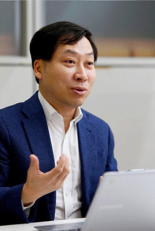"""""""원천기술 강화,  미래기술 선점으로  커넥티드카 시대 준비"""""""
