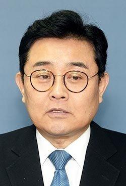 DJ 인연으로 정치 입문 '꾀돌이'로 통하는 선거 전문가