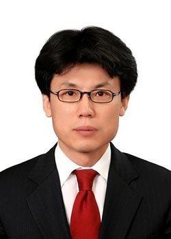 대선 TV토론 지휘한 '열혈 호위무사'