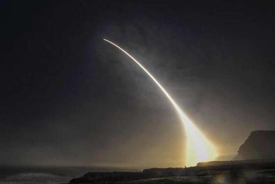 점차 힘 얻는 독자 핵무장론과 그 대안